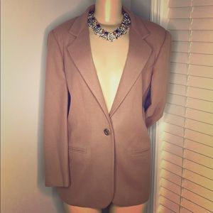 Sag Harbor fully lined one button Blazer
